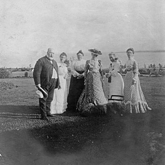 Ministers Island - Sir William and Family, c. 1896. LAC e007914033