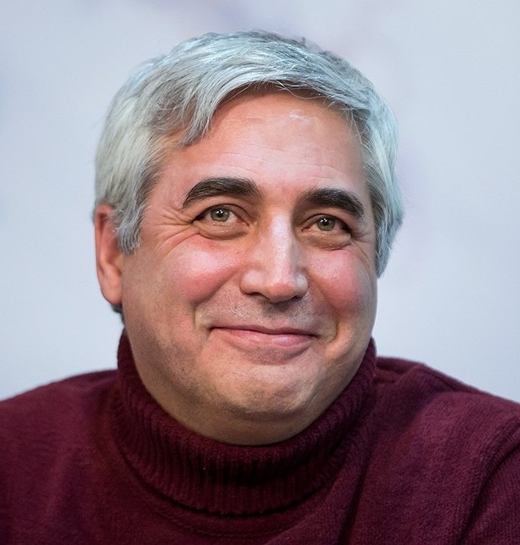 Ebrahim Hatamikia in Fajr International Film Festival 05