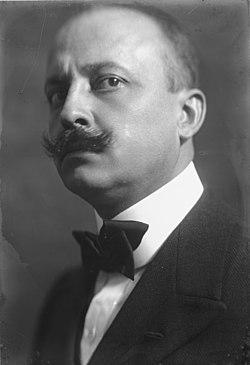 Emilio Sommariva (1883 - 1956) Ritratto di Filippo Tommaso Marinetti, intellettuale futurista (1913).jpg