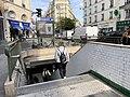 Entrée Station Métro Poissonnière Paris 1.jpg