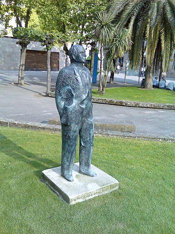 Estatua Eduardo Blanco Amor%2C Ourense