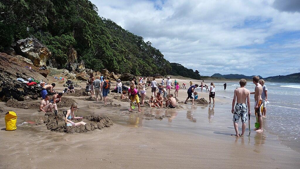 Excavations on Hot Water Beach -New Zealand-12Dec2008