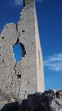 Fachada del Castillo de Rojas de Bureba.jpg