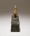 Falcon in double crown surmounting a shrine shaped box for an animal mummy MET 41.160.107 EGDP016656.jpg