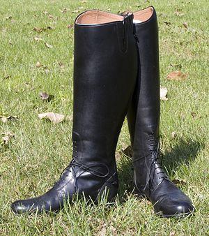 Reiterstiefel mit Sporenhalterung aus Kunststoff GtT7kg