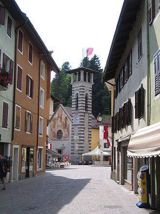 Fiera di Primiero - Via Garibaldi, the civic tower and the Church