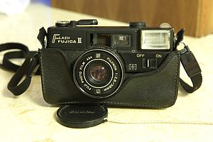 Fujica - Flash Fujica II with a FUJINON 38mm/F2.8 lens (not exchangeable)