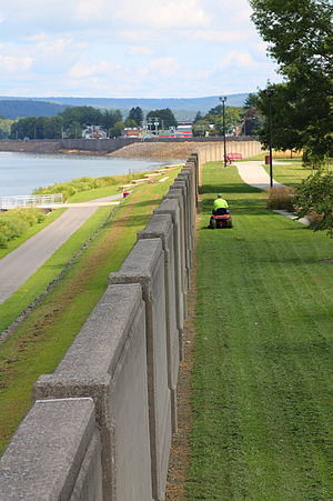 Flood wall - Floodwall in Sunbury, Pennsylvania