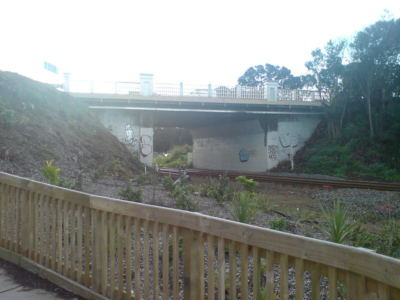 File:Former Road Overbridge At Orakei.jpg