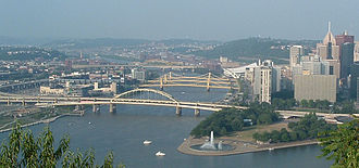 Point Park Civic Center - Pittsburgh today. The tip of the Golden Triangle, with its fountain, is in the lower right. At center is the Allegheny River, one of the two rivers that Wright's bridges would have spanned (the Monongahela River is at the extreme lower right).
