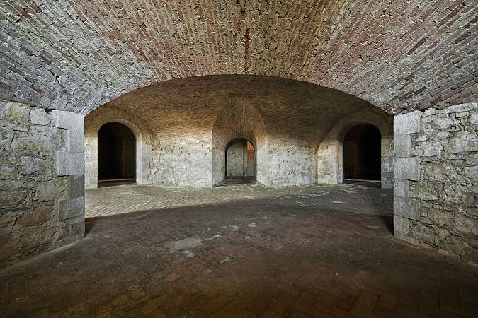 Forte Ardietti, interno del ridotto 5.jpg