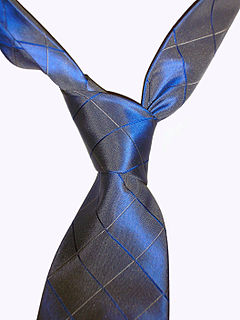 Four-in-hand knot necktie knot