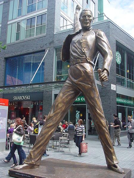 File:Freddie Mercury statue, Liverpool - DSC01040.JPG