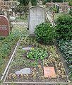 Friedhof Wilmersdorf - Grab Hildegard Wegscheider.jpg