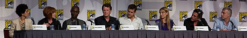 Fringe cast sdcc 2010 cropped.jpg