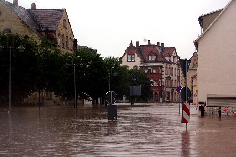 File:Gößnitz Dammstraße Hochwasser 2013.jpg