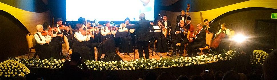 Gəncə Dövlət Filarmoniyasının Kamera Orkestrı çıxış zamanı