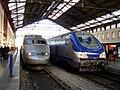 Gare de Marseille-Saint-Charles - TGV Sud-Est et Corail reversible - 01.jpg
