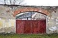 Gate of No. 33 in Vlhlavy.jpg