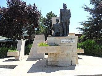 Osman Nuri Pasha - Statue of Osman Pasha in Tokat