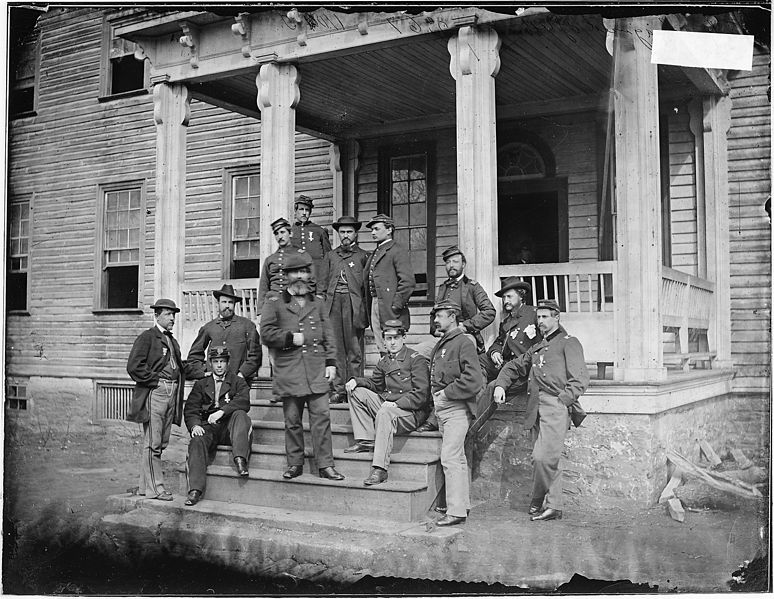Файл:Gen. John Sedgwick and staff of twelve - NARA - 526095.jpg
