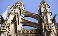 Gli archi rampanti nella cattedrale di Saint Michel (Francia 2002).jpg