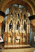 Gloucester Cathedral (Holy Trinity) (14994954408).jpg