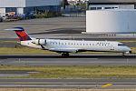 GoJet Airlines, N642CA, Canadair CRJ-700 (19559305594).jpg