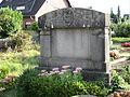 Grabstein mit Engel - Baerl.jpg