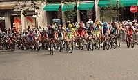 Grand Prix Cycliste de Québec 2012, Peloton (7957888856).jpg