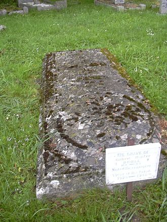 Gilbert Hunter Doble - Grave of Doble in the churchyard of Wendron Parish Church