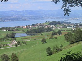Hütten, Samstagern, Zürichsee, Ufenau, Lützelau, Seedamm and Rapperswil, and Zürcher Oberland in the far background - 11.08.2001 - Bild-06.jpg
