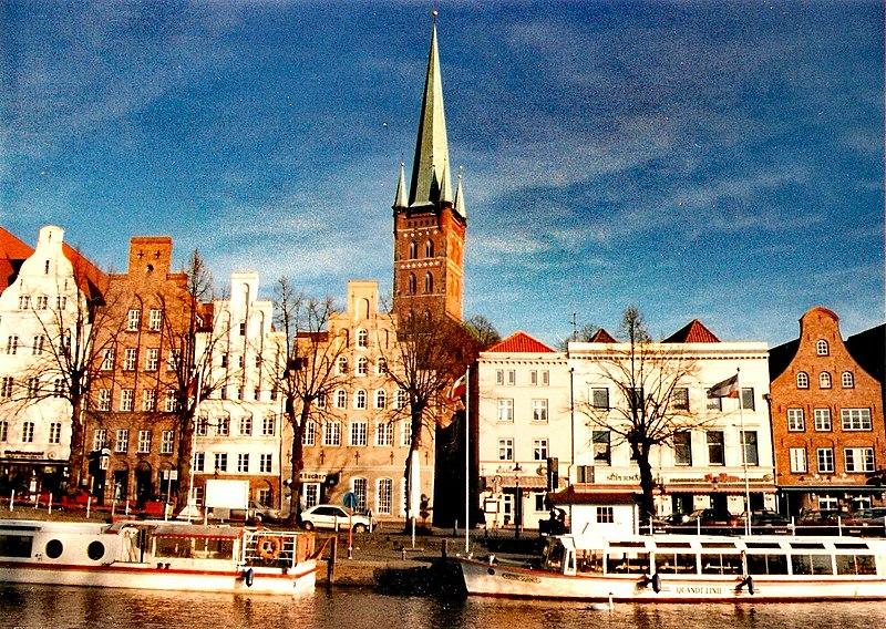 File:HL Kirche - Petrikirche.jpg