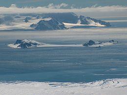 Half Moon Island httpsuploadwikimediaorgwikipediacommonsthu