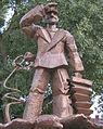Hans Albers Statu.jpg