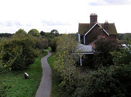 Hellingly railway station in 2008.jpg