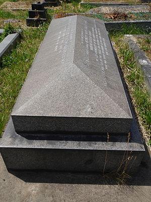 Herbert Cozens-Hardy, 1st Baron Cozens-Hardy - Monument, Kensal Green Cemetery