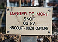 High-voltage warning sign near Petite Ceinture, Paris 15e 140212 1.jpg