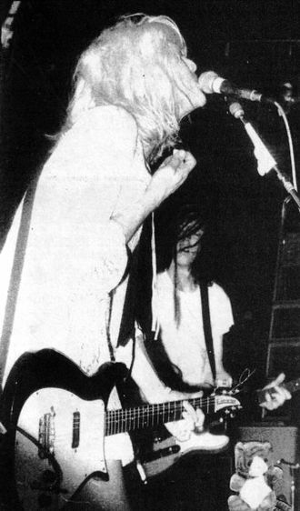 Courtney Love - Love performing with Hole, 1989