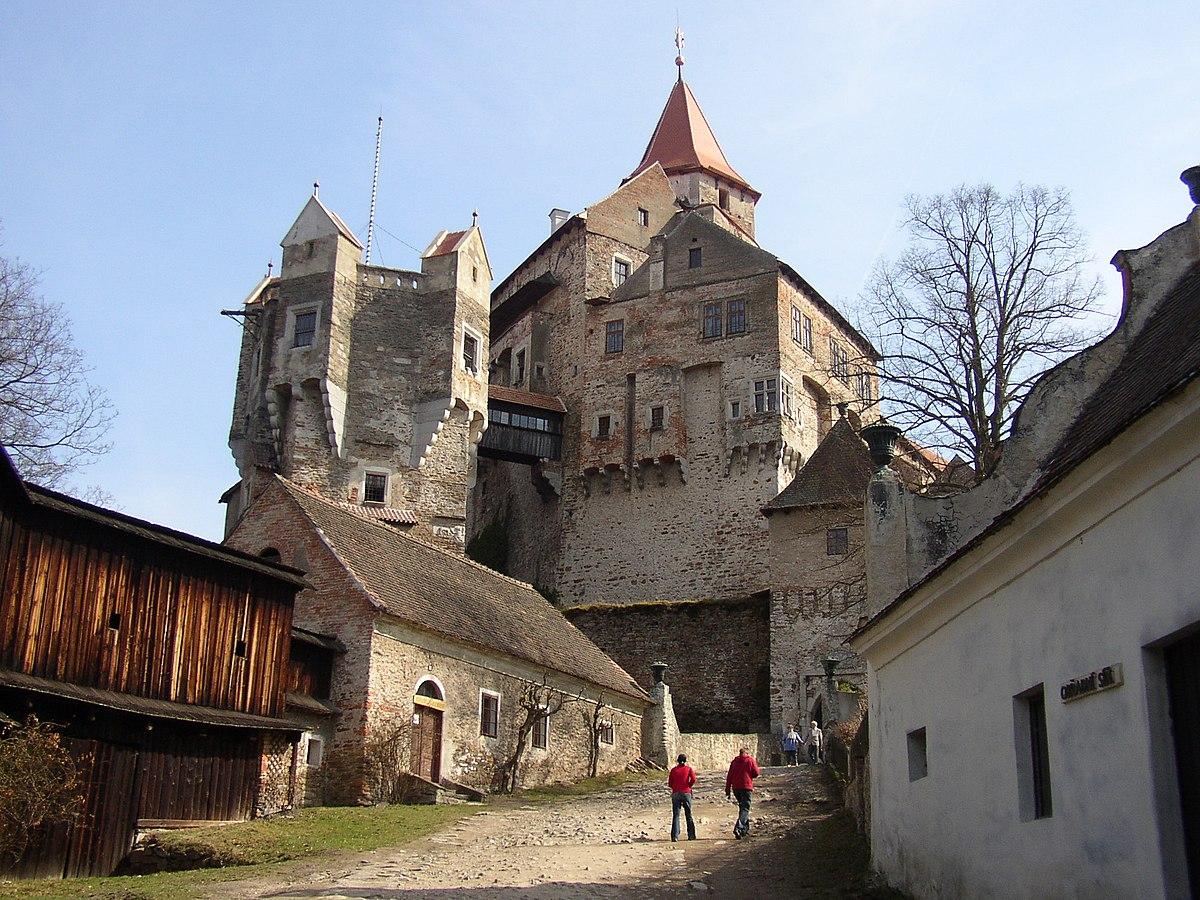 Pernštejn Castle - Wikipedia