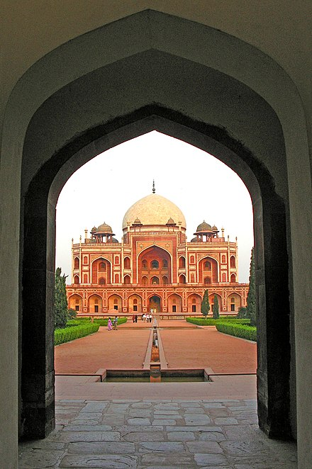 Tomb entrance view Humayun Tomb, Delhi, from the entrance portal.jpg