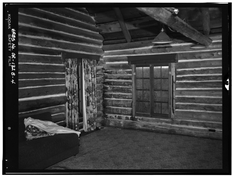 File:INTERIOR, NORTHEAST CORNER - Paulina Lake IOOF Organization Camp, Cabin No. 5, Deschutes National Forest, La Pine, Deschutes County, OR HABS ORE,9-LAPI.V,1B-4.tif