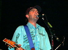 Ian McCallum performing with Stiff Little Fingers at Bogarts in Cincinnati, Ohio August 25 2004.jpg