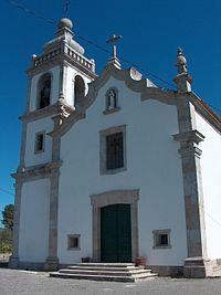 Igreja paroquial de Moucos 01.jpg