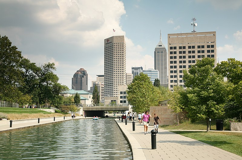 800px-Indy_Central_Canal.jpg