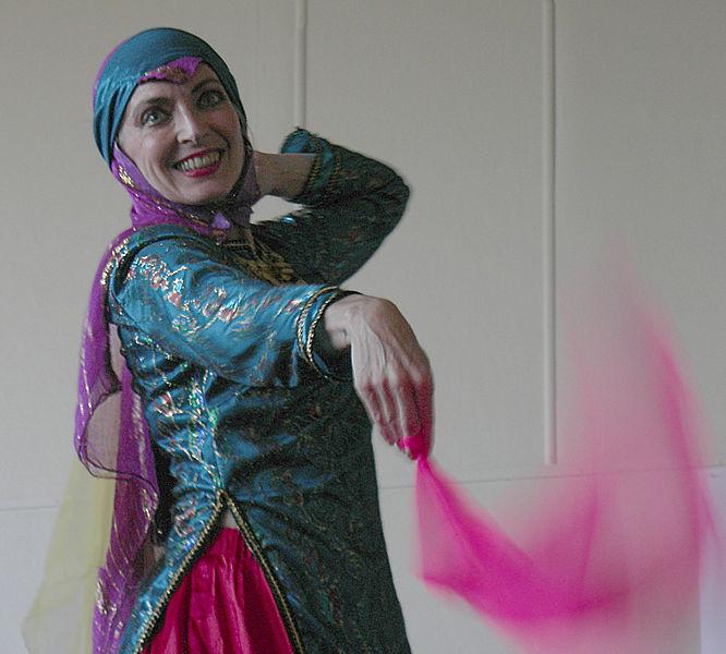 File:Iranian Festival - Seattle 2007 - Dancers 07.jpg