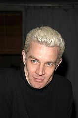 James Marsters w 2003 roku.