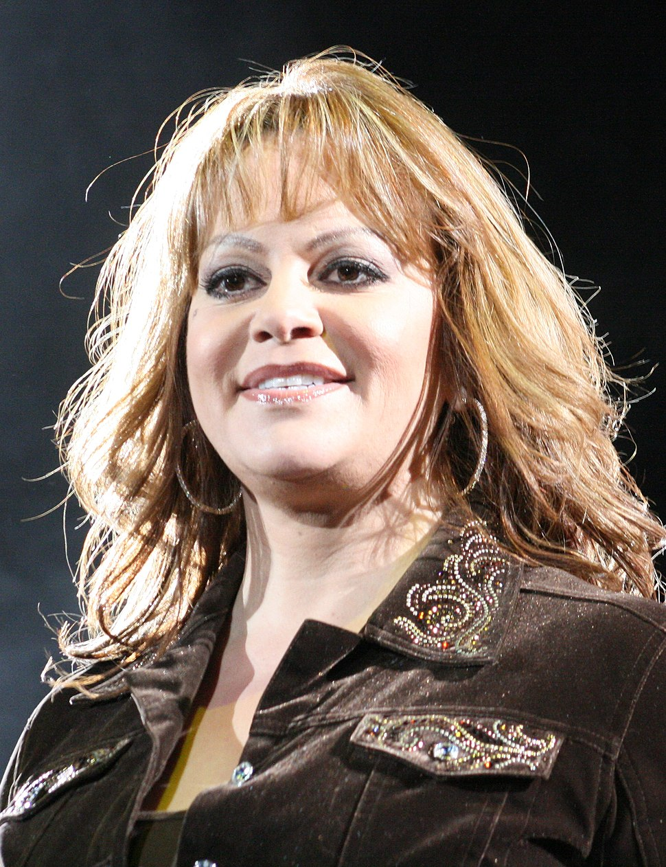 Jenni Rivera - Pepsi Center - 08.22.09 - Cropped