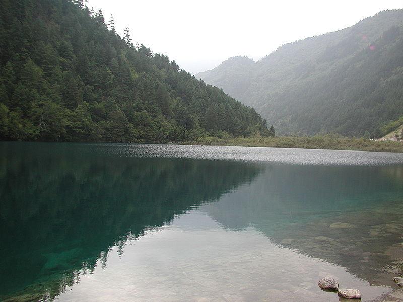Ficheiro:Jiuzhaigou Valley 2002-09-12 00.jpg