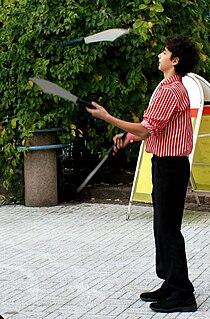 Knife juggling